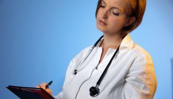 Curso online Curso Online de Funciones del Celador en el Servicio de Urgencias + Primeros Auxilios (Doble Titulación + 4 Créditos ECTS)