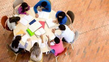Formación homologada Dirección y Gestión de Centros Educativos (Titulación Universitaria con 4 Créditos ECTS)