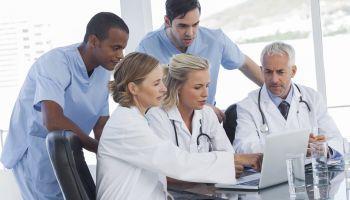 Master en Farmacoterapia para Enfermería + 60 Créditos ECTS