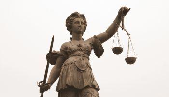 Formación homologada Perito Judicial en Seguridad Informática de Sistemas de Trabajo y Aplicaciones en la Nube + Titulación Universitaria en Elaboración de Informes Periciales (Doble Titulación con 5 Créditos ECTS)
