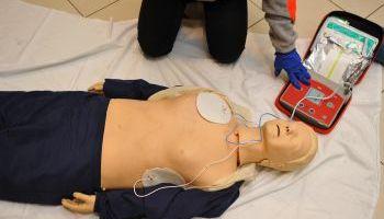 Curso online Experto en Reanimación Cardiopulmonar (RCP), Soporte Vital Básico (SVB) y Uso del Desfibrilador Automático (DEA) (Doble Titulación + 4 Créditos ECTS)